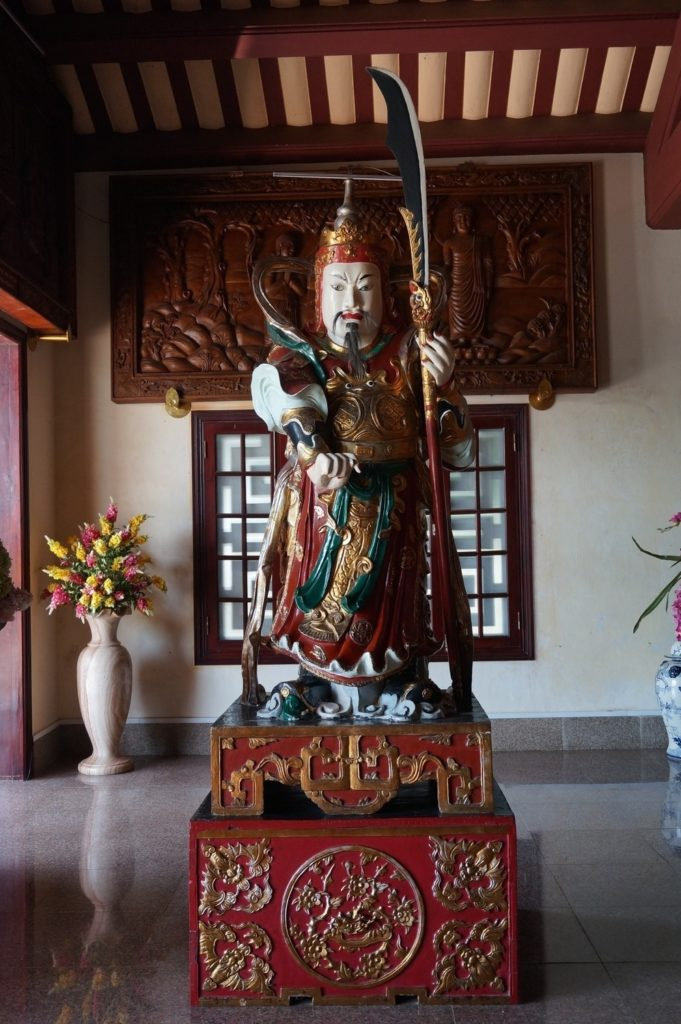 Statue gardant le temple