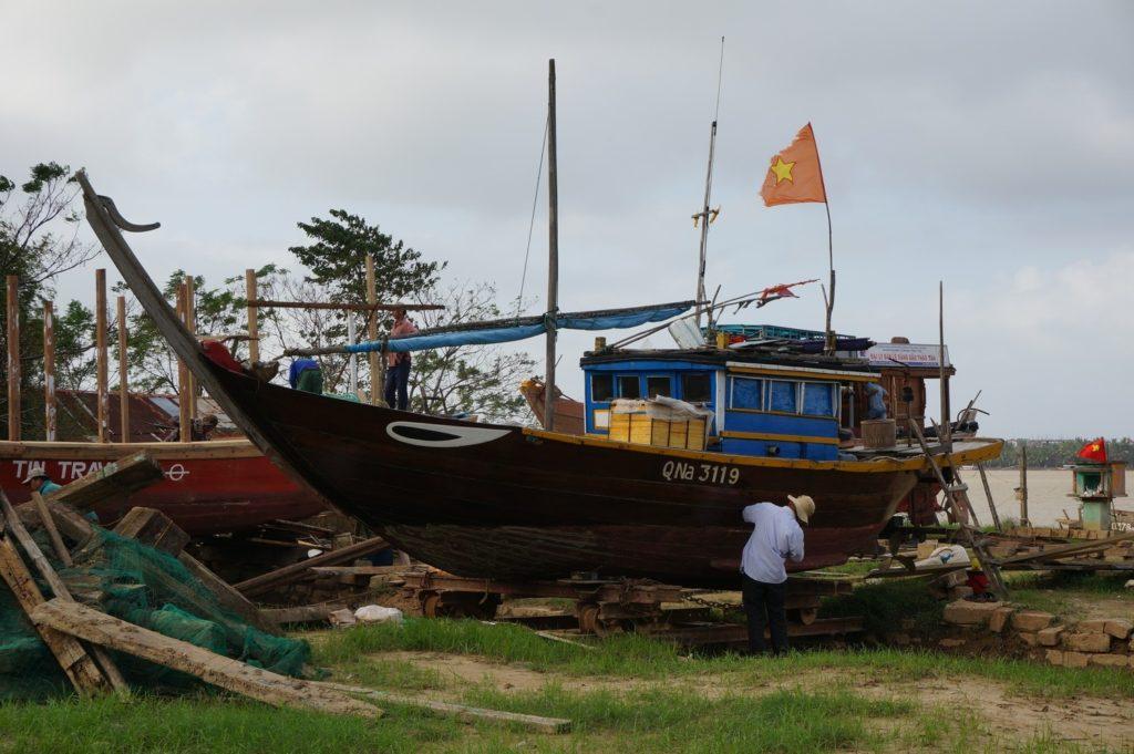 Chantier naval à Cam Kim