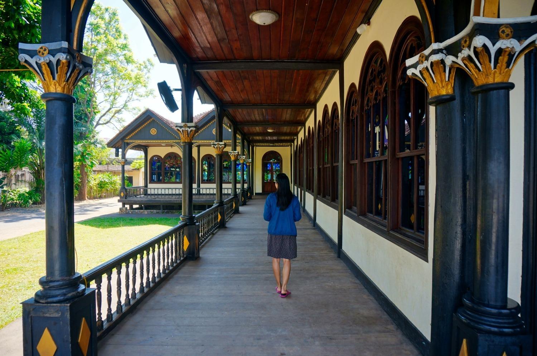 cathédrale en bois de Kon Tum