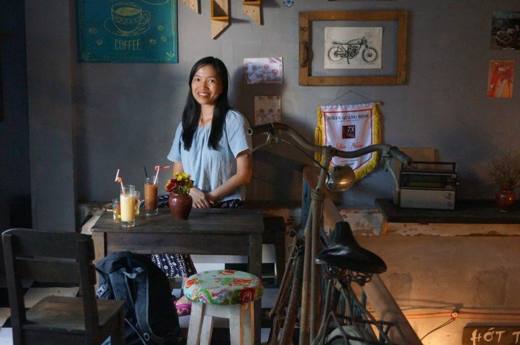 Un des nombreux cafés de Kon Tum