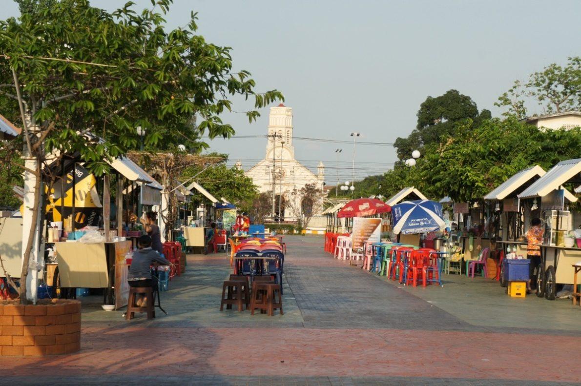 Le marché de nuit à Sannakhet
