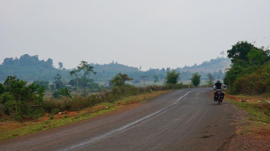 Route du plateau des Bolovens