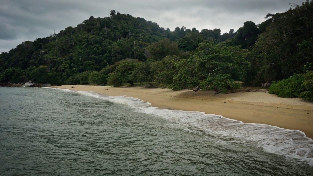 Plage cristalline Pulau pangkor Malaisie