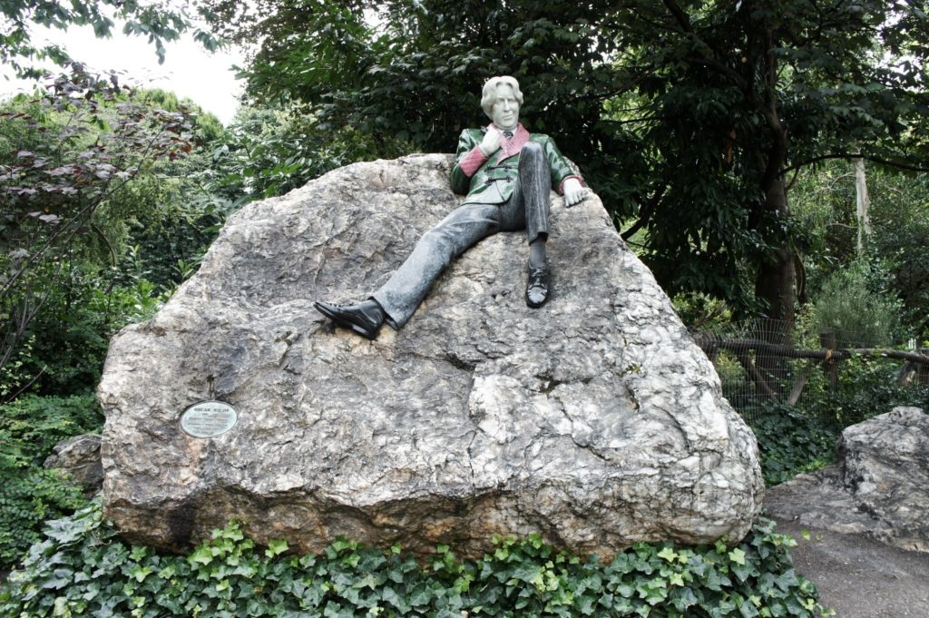 statue d'oscar wilde dublin