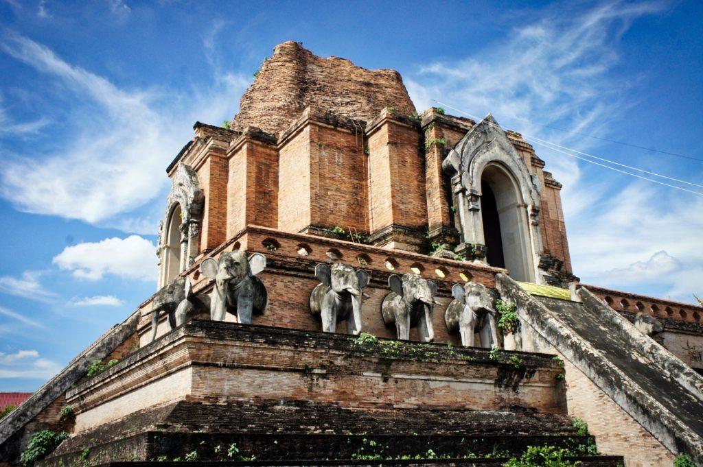 Temple de Wat Chedi Luang à Chiang Mai