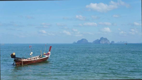 Paysages digne d'une carte postale à Koh Muk en Thaïlande