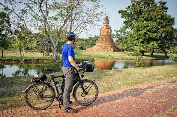Les ruines et temples à Ayutthaya