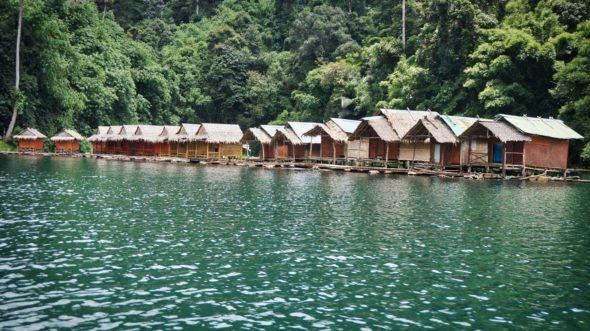 Les bungalows flottants sur le lac de Khao Sok