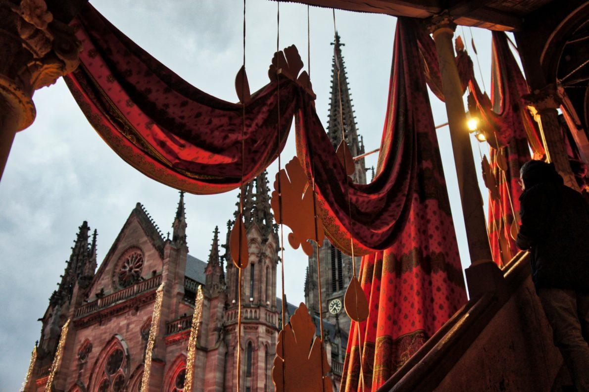 Le marché de Noël de Mulhouse et sa collection d'étoffe