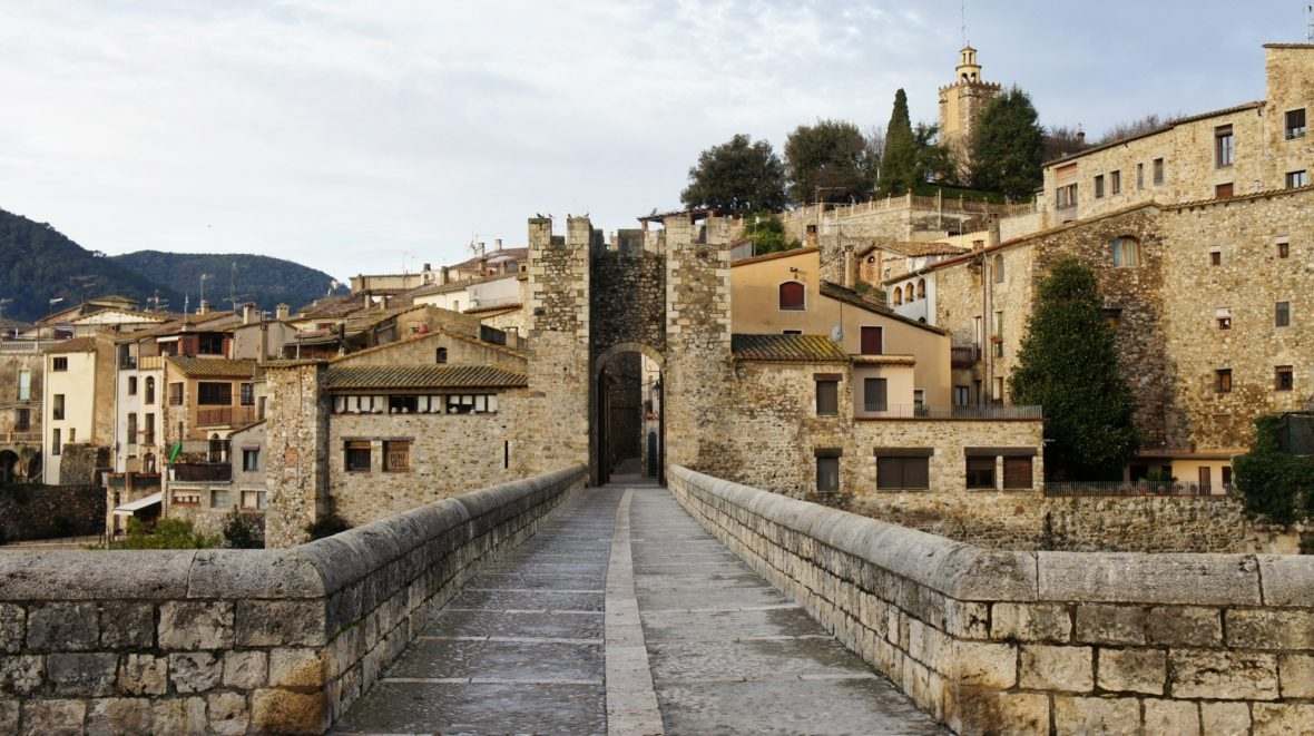 Village médiéval de Besalu en Catalogne
