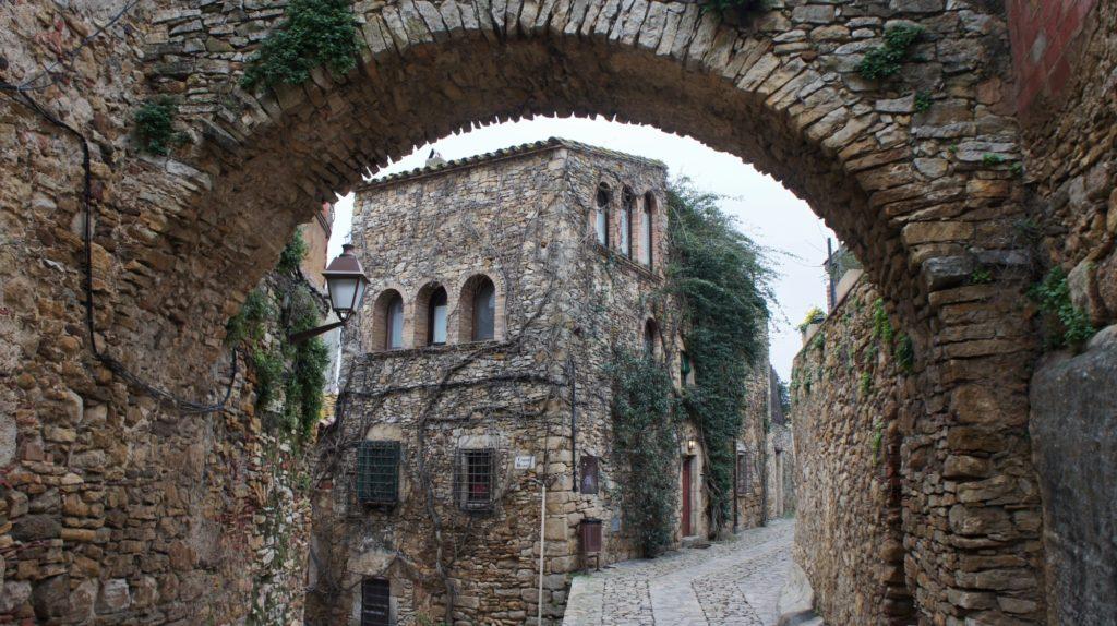 Les arches à Peratallada Costa Brava