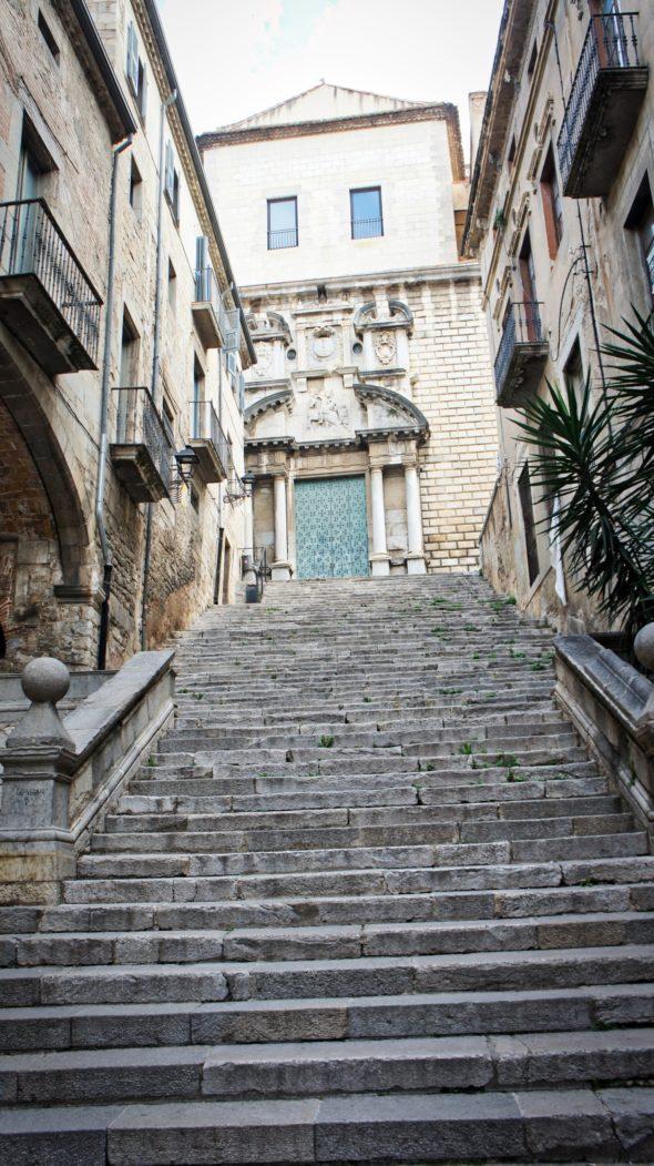 Ruelle à escalier à Gérone