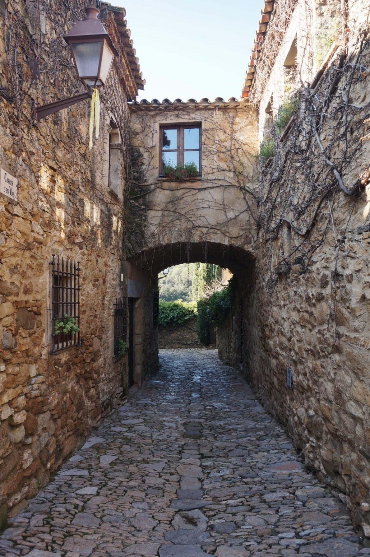 Village médiéval Peratallada Costa Brava en Catalaogne