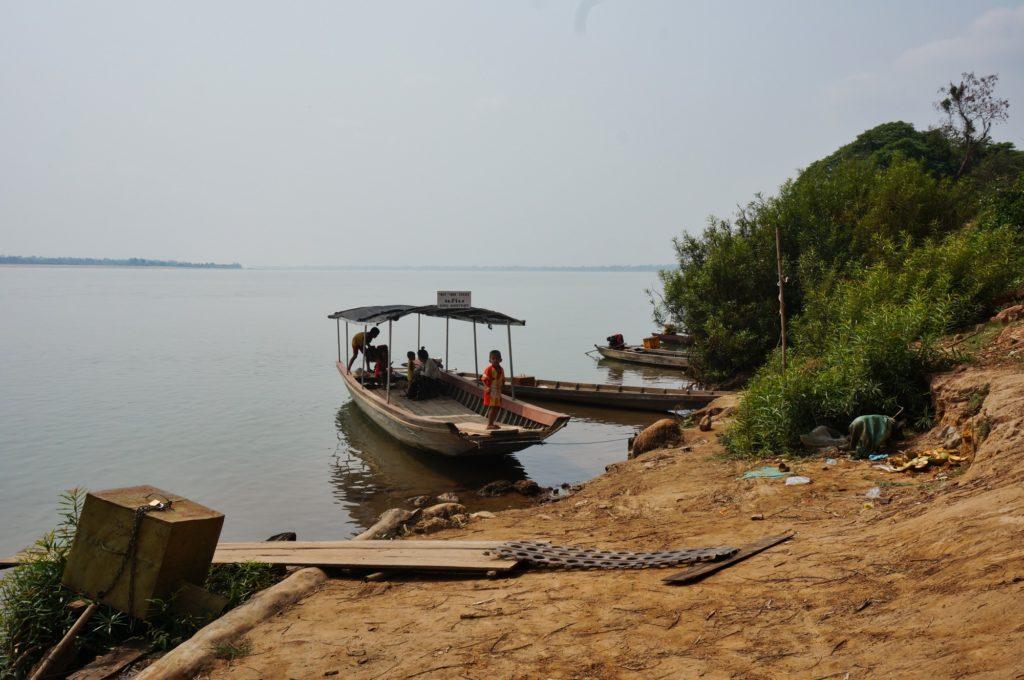 barque ferry à Champassak Laos
