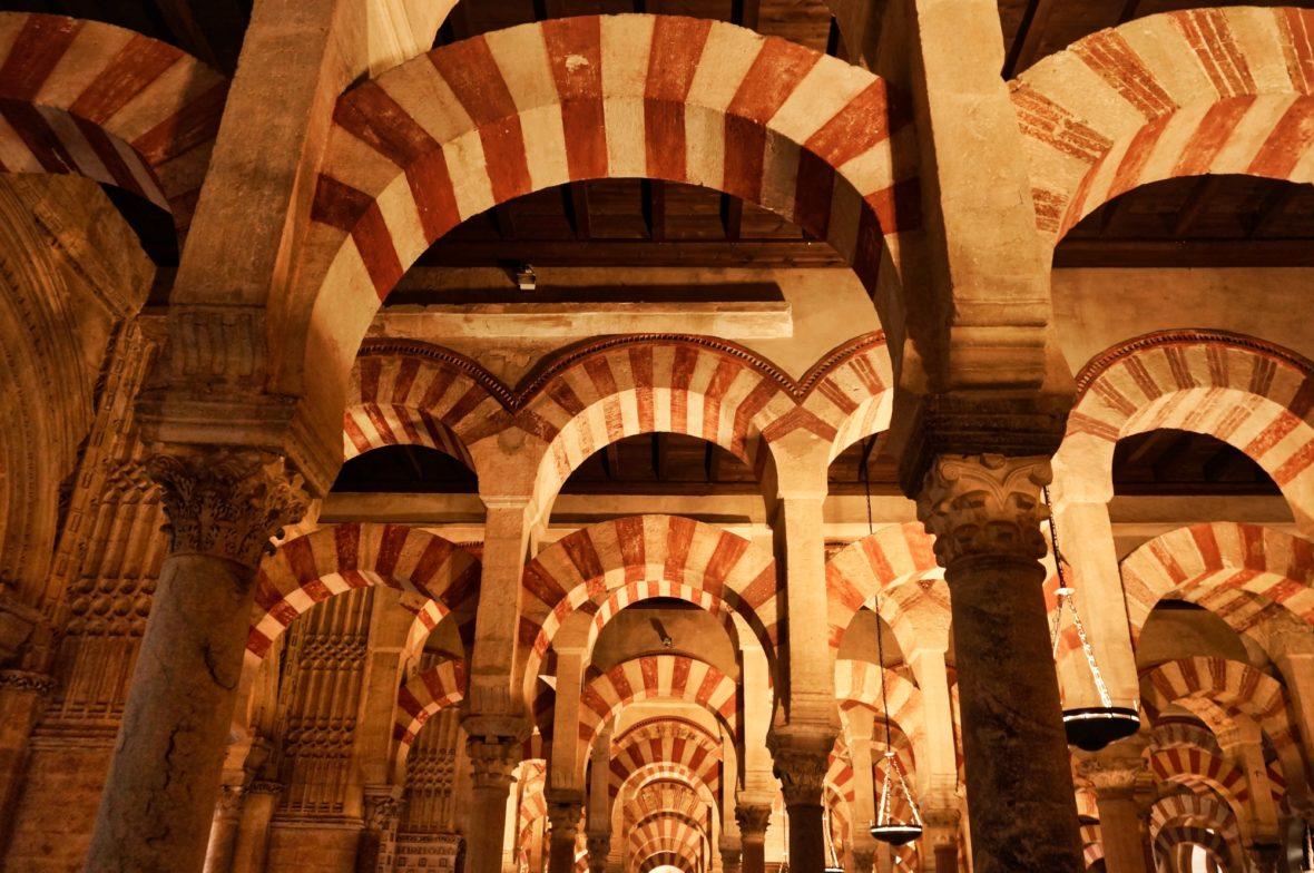 Les piliers de la mosquée-Cathédrale de Cordoue