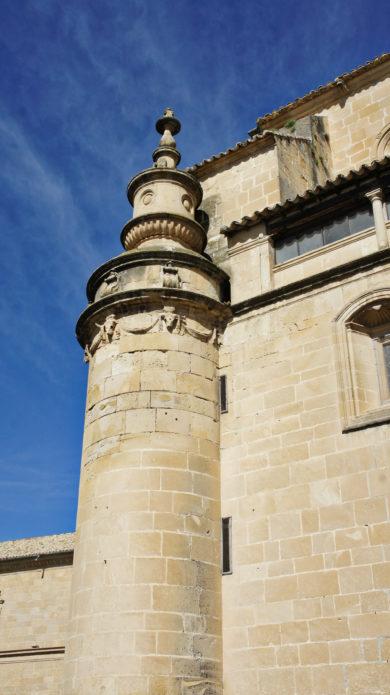 La tour d'angle d'un monument Renaissance à Ubeda