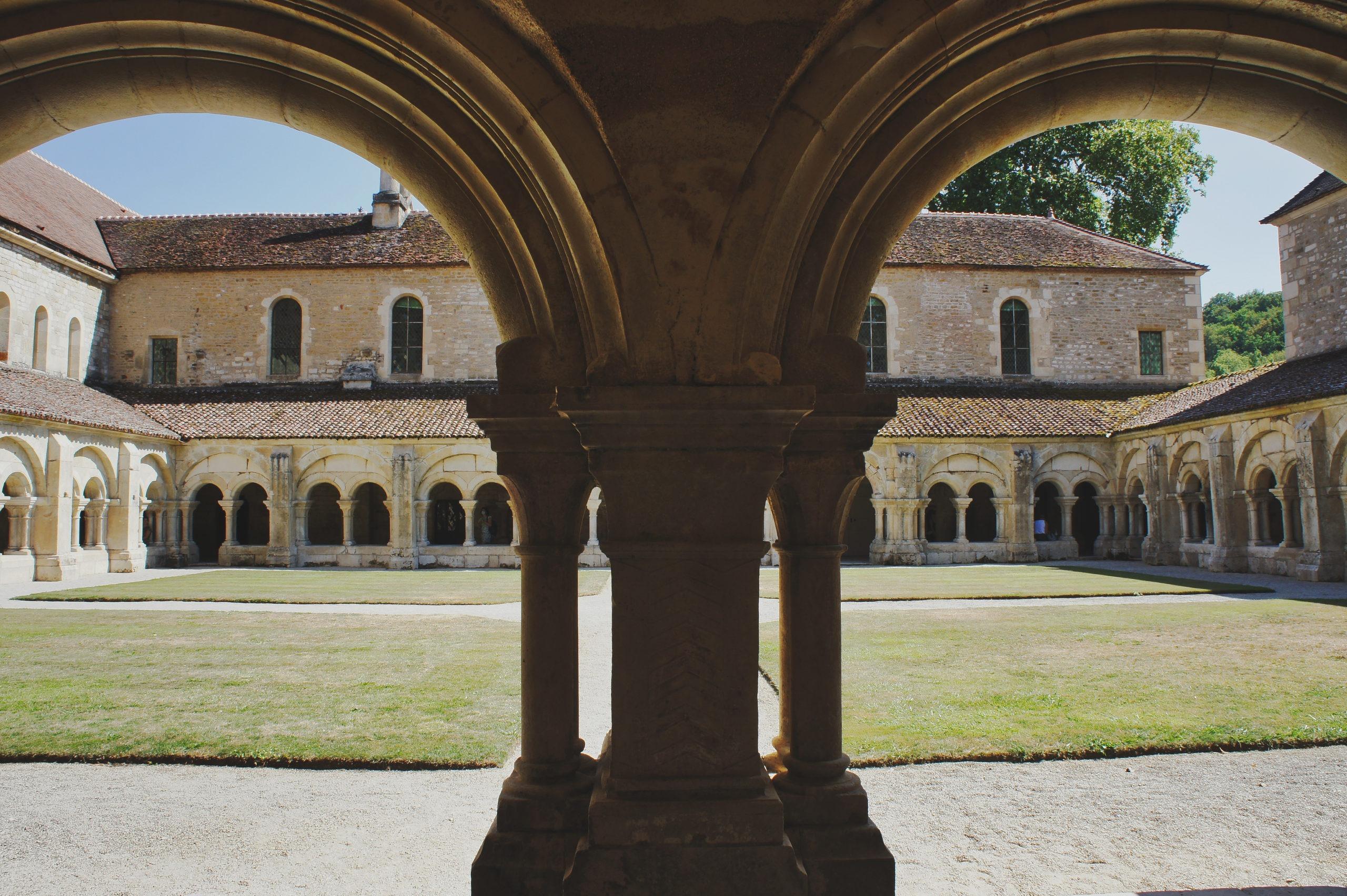 Bourgogne à vélo abbaye de Fontenay