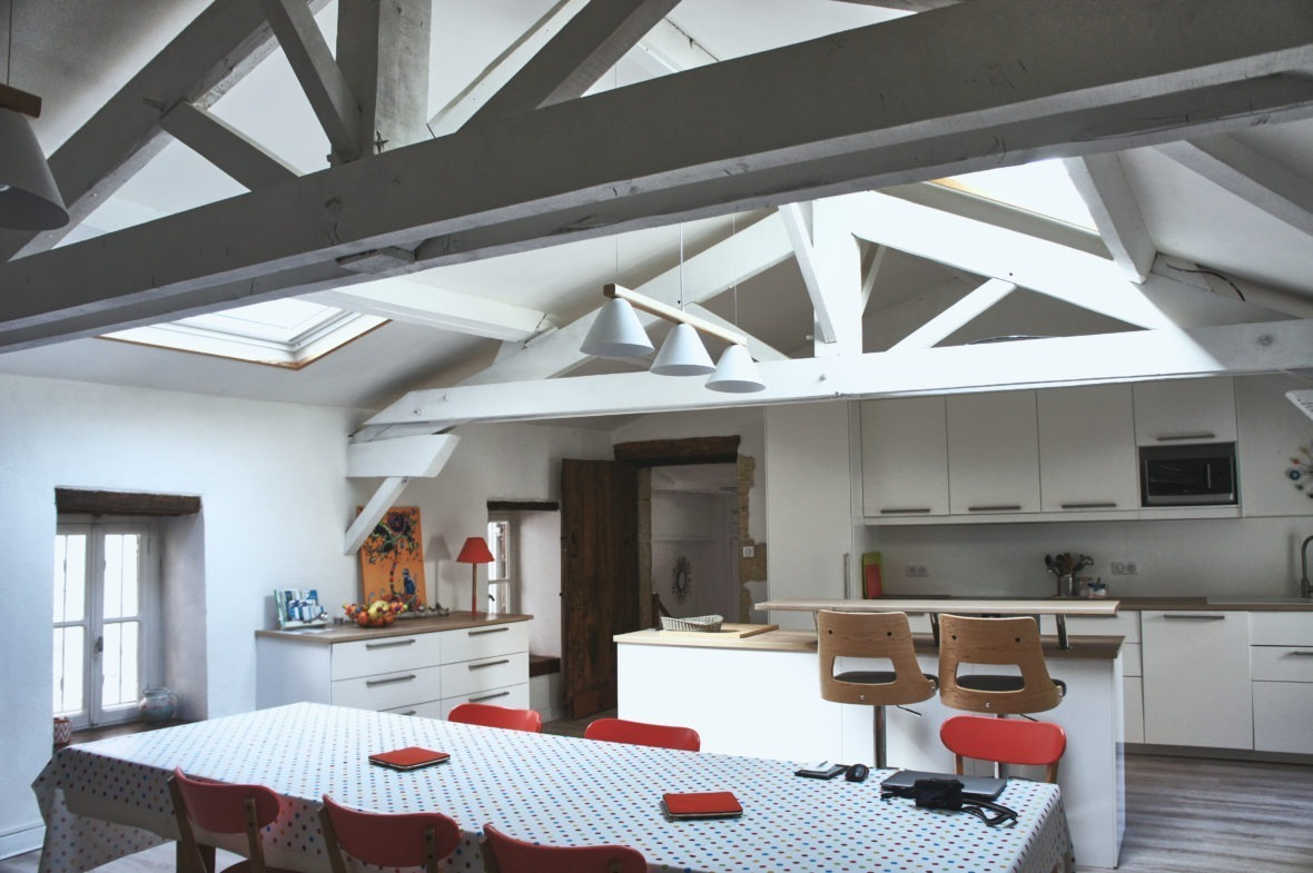 Le grand séjour du Airbnb le clos Sainte Claire à Lectoure Gers