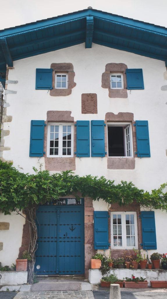 Belle maison à Ainhoa, pays basque à vélo