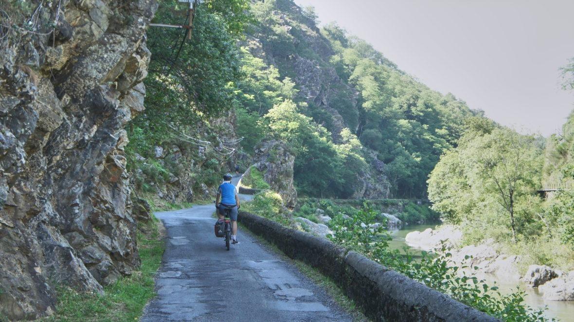 Pas de Roland à Itxassou, pays basque à vélo