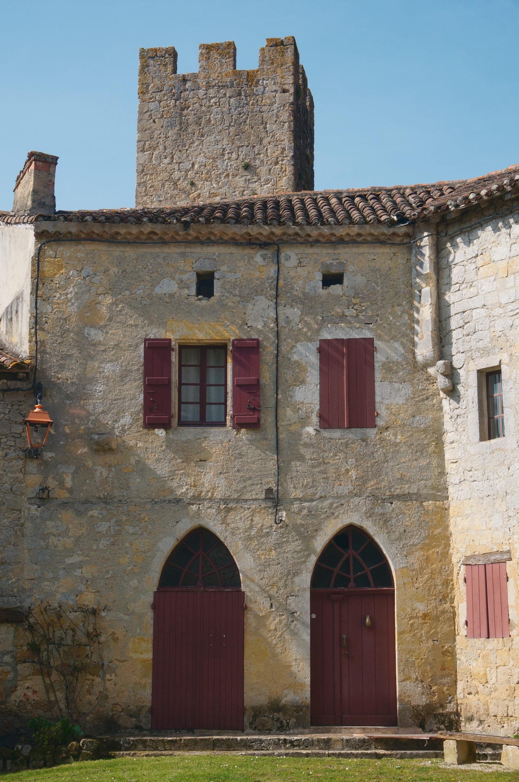 Château et village de Larresingle en Lomagne-Gascogne du Gers