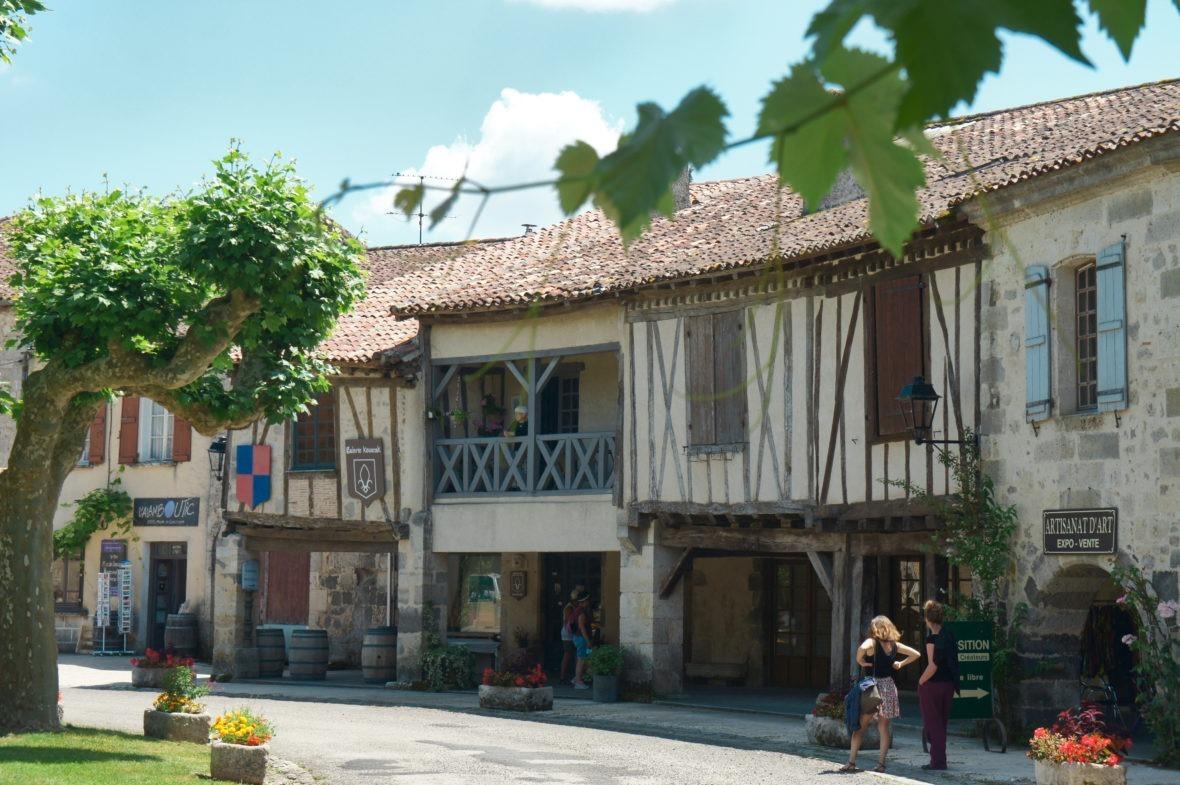 Fourcès, seule et unique bastide ronde du Gers