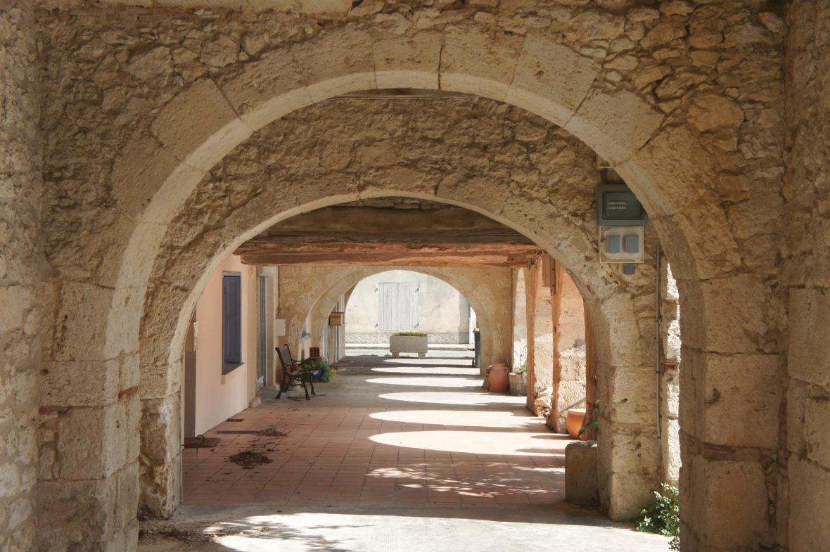 Les arcades de Saint-Clar, en Lomagne-Gascogne du Gers